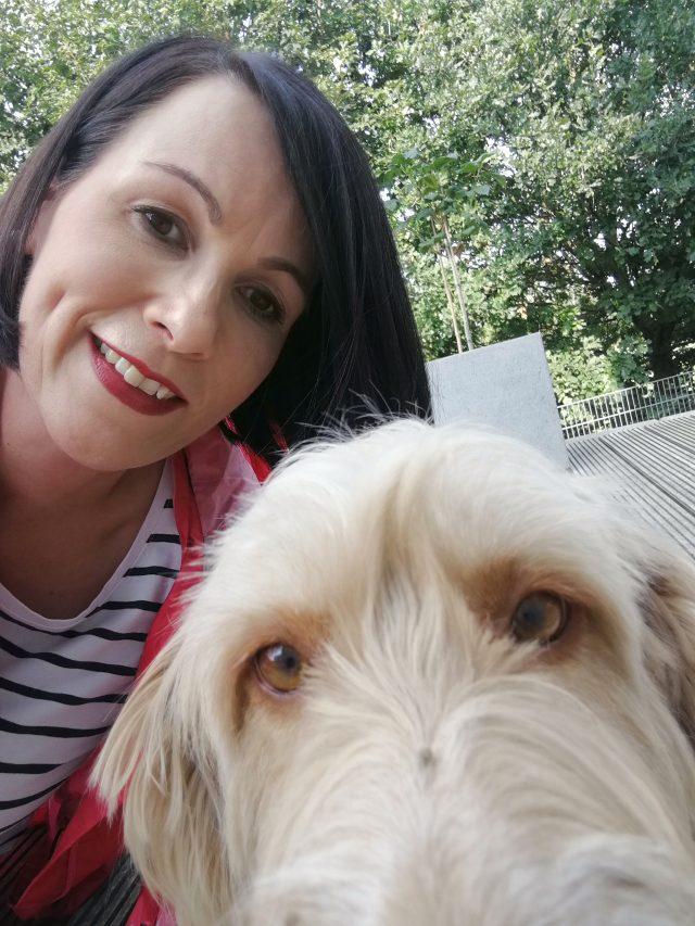 Notfalltiere in Tierheimen - Kerstin Eller mit Hündin Greta
